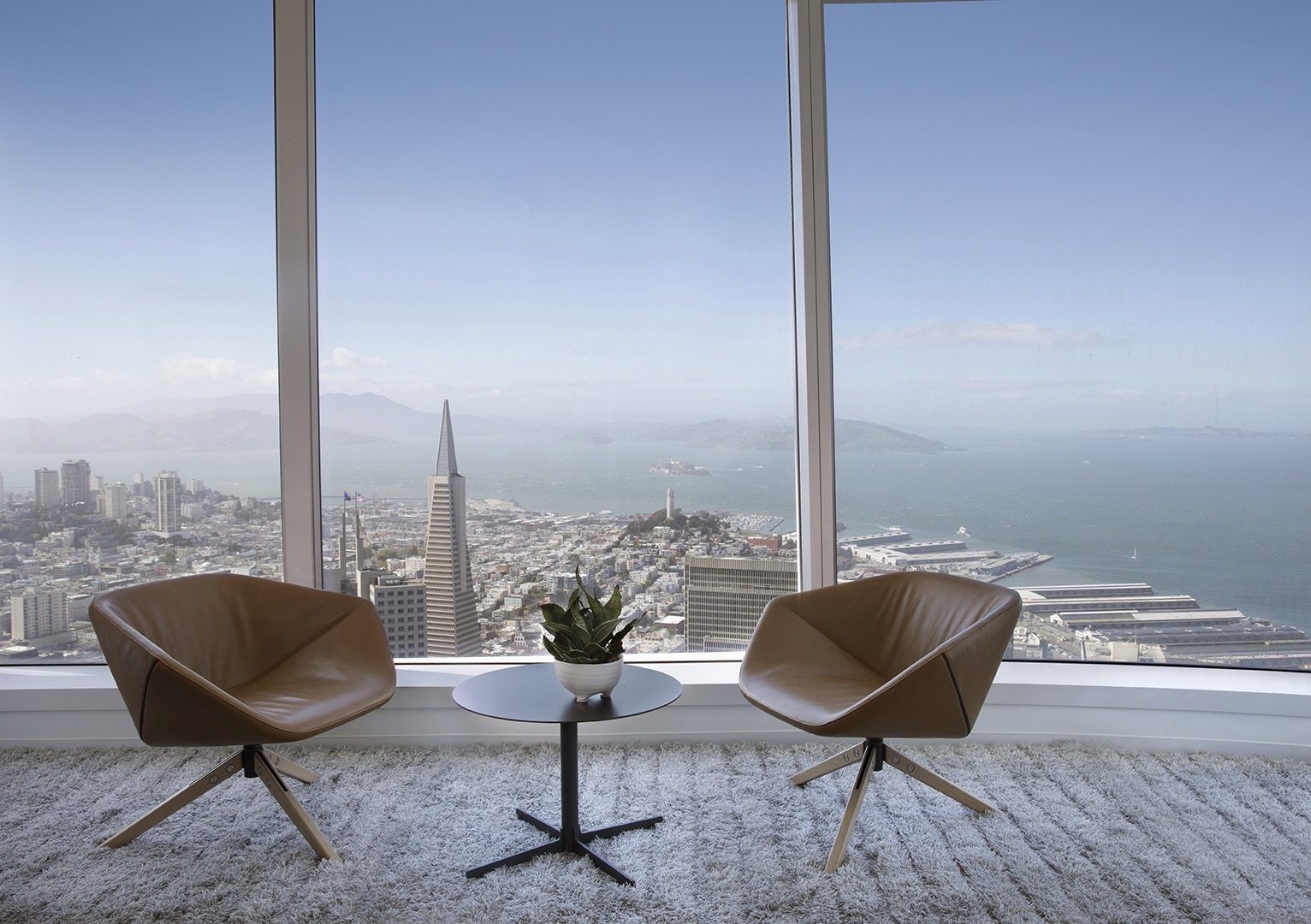 salesforce-tower-office-8