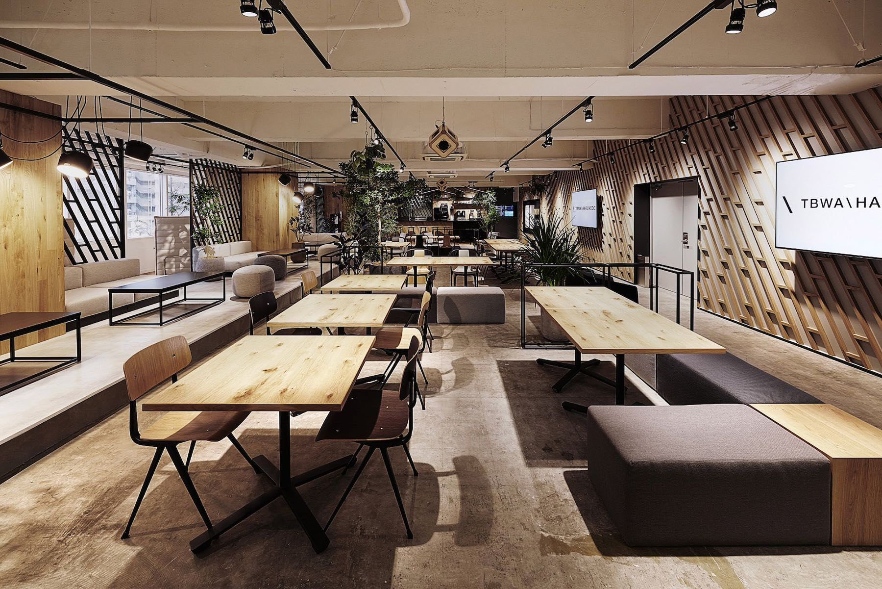 tbwa-tokyo-office-11
