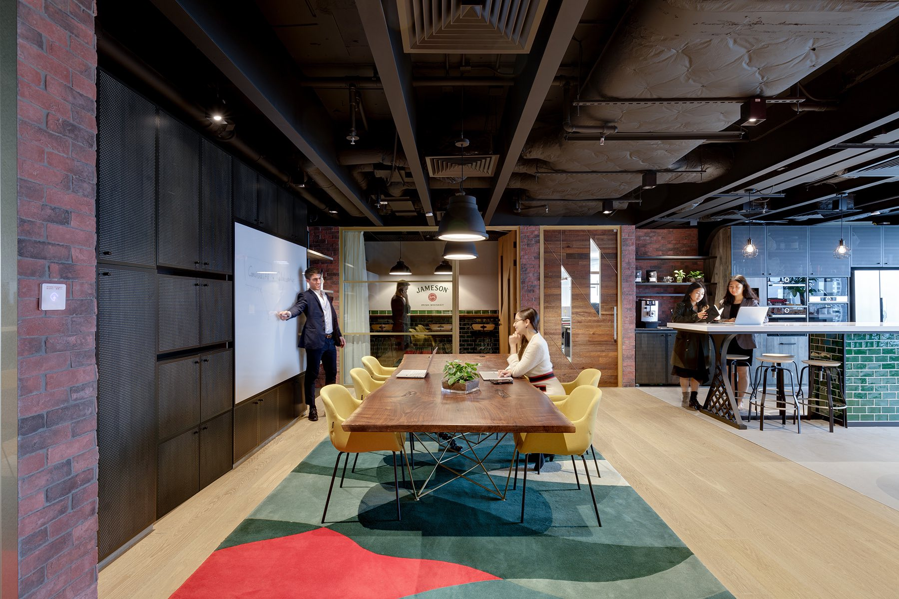 pernod-ricard-hong-kong-office-8