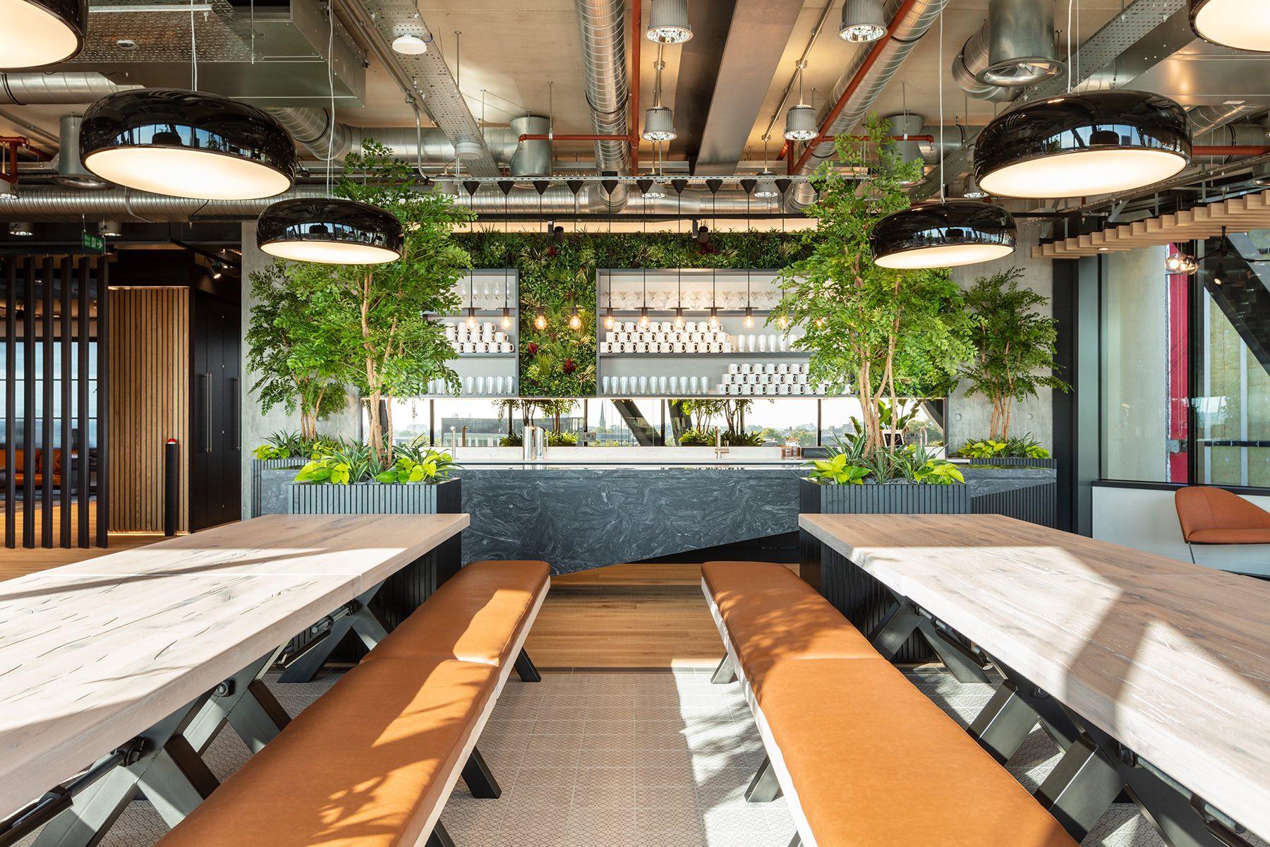 alpha-fx-london-office-5