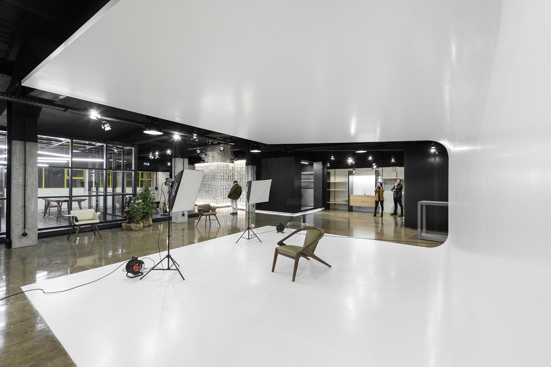 arts-studio-lisbon-office-13