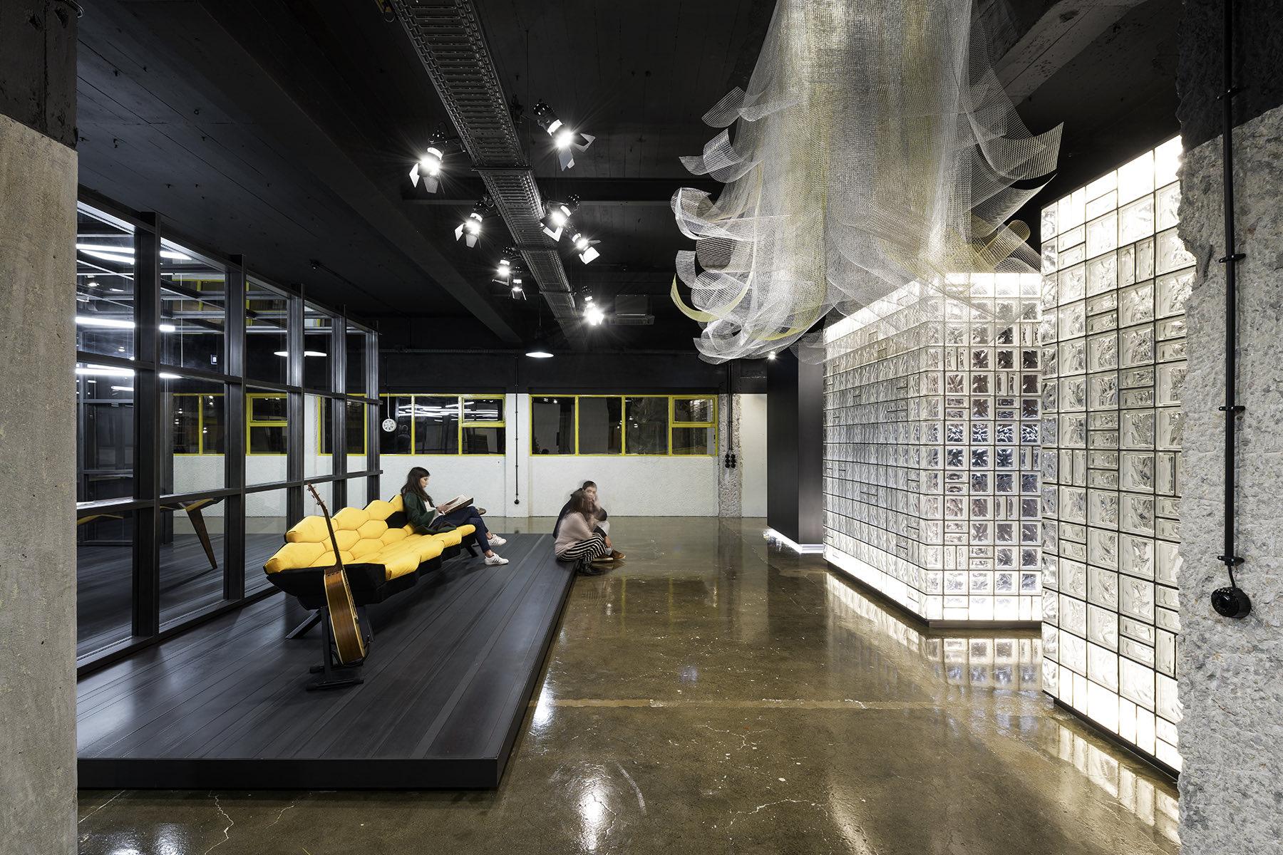 arts-studio-lisbon-office-4