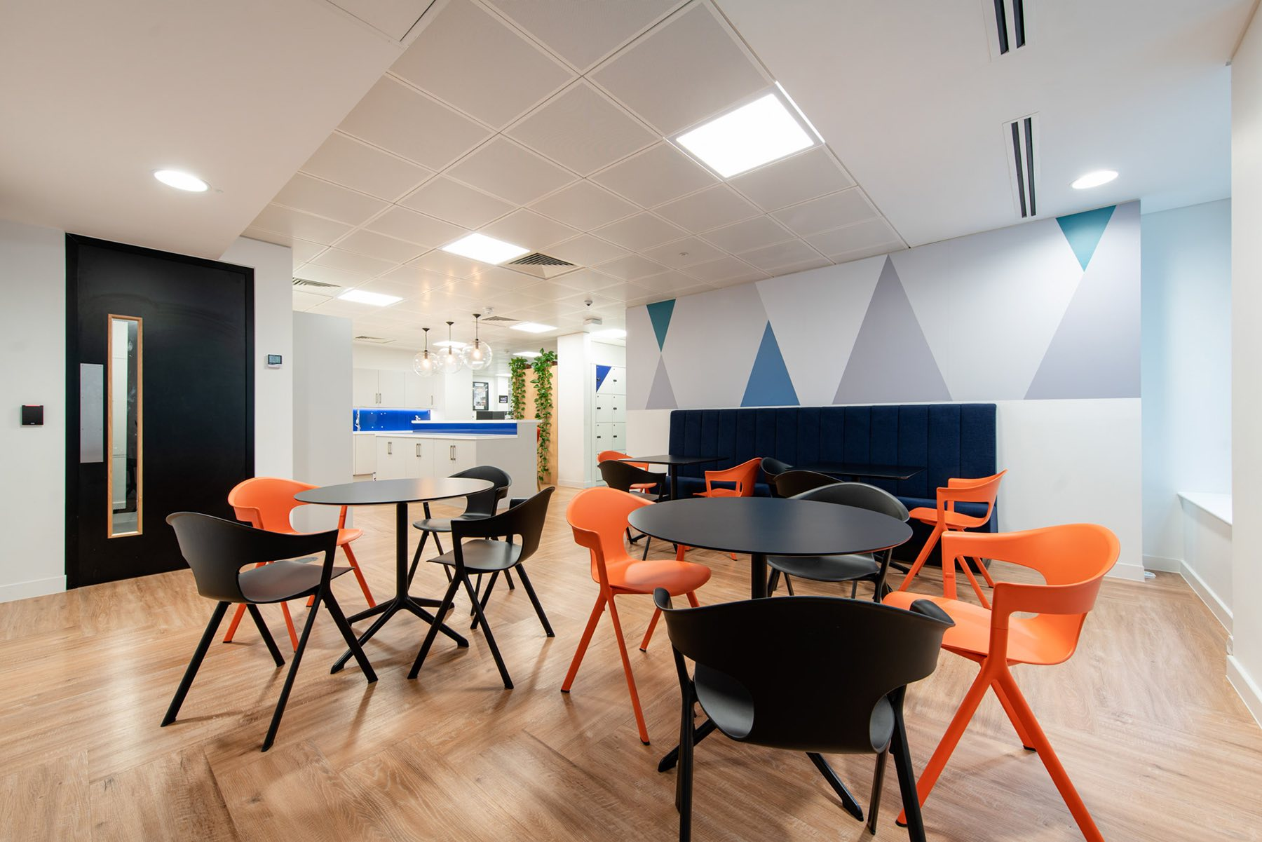financial-services-london-office-3