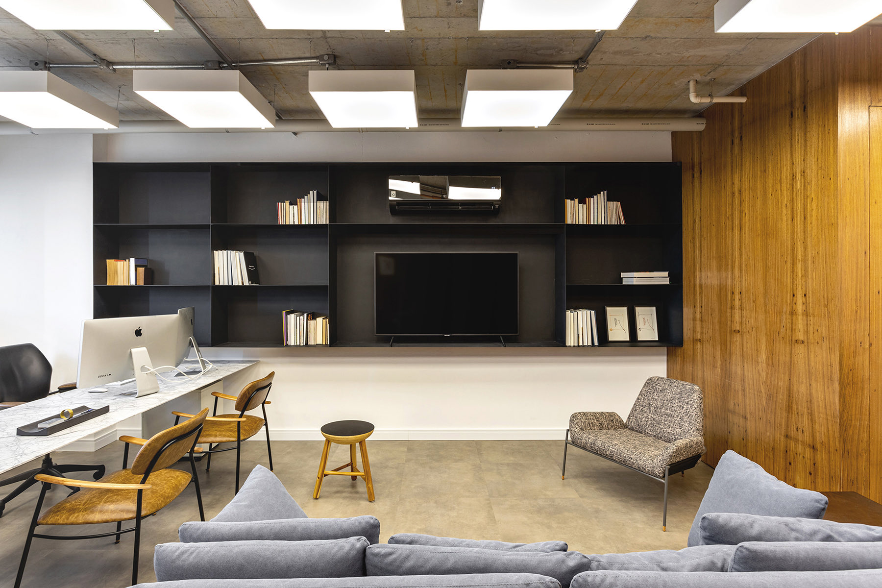 A Peek Inside Piraci Oliveira's Sao Paulo Office