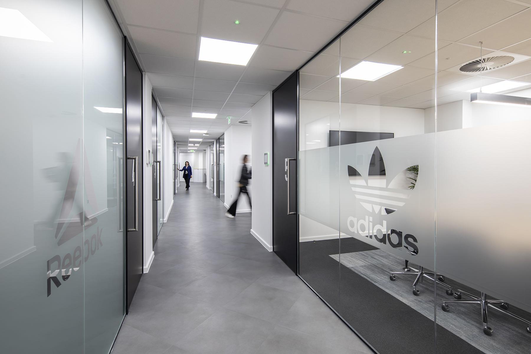 adidas-office-fashion-21