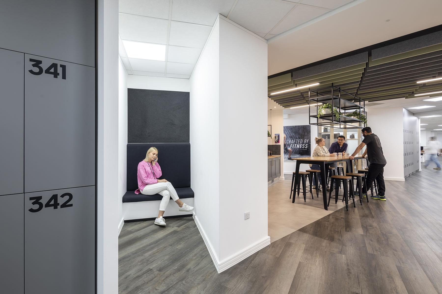 adidas-office-fashion-7
