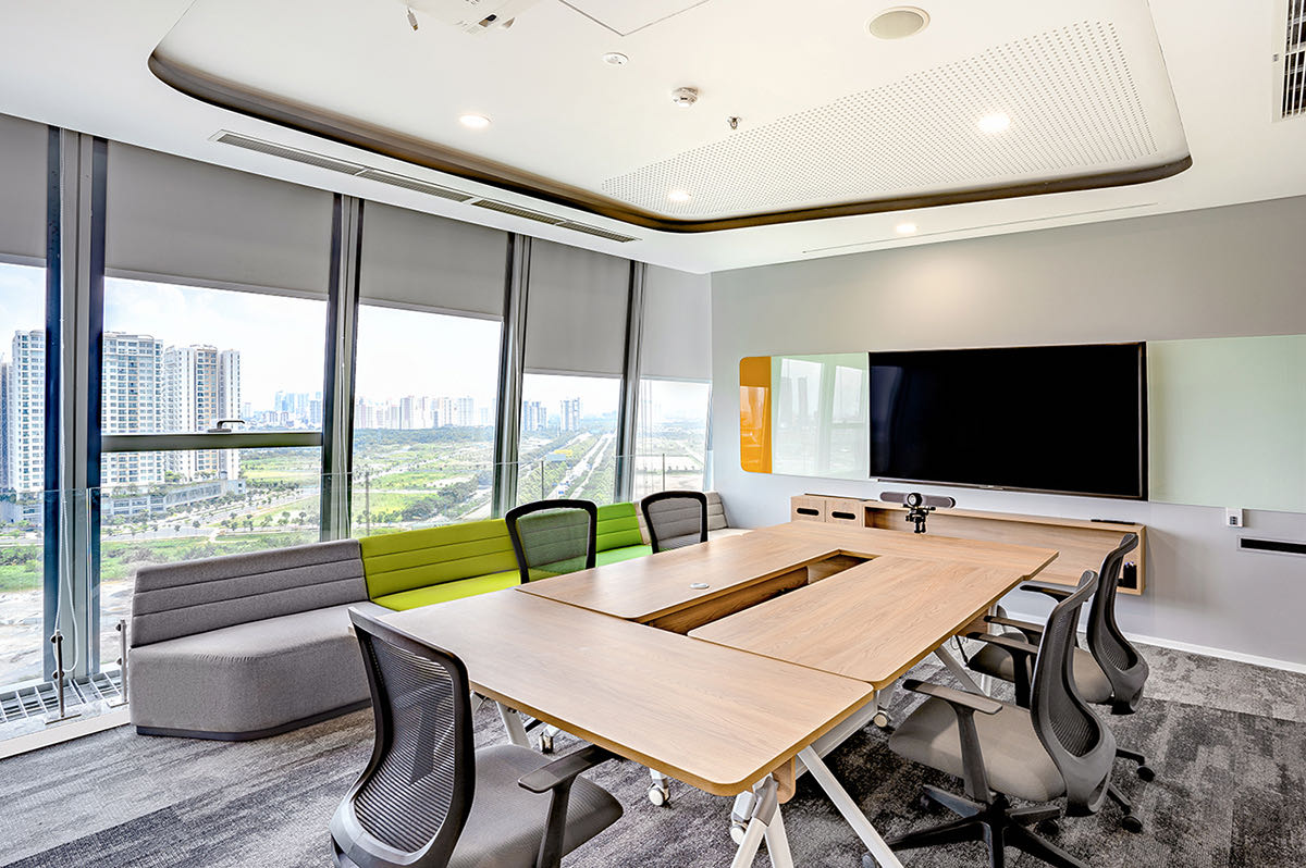 connell-vietnam-office-4