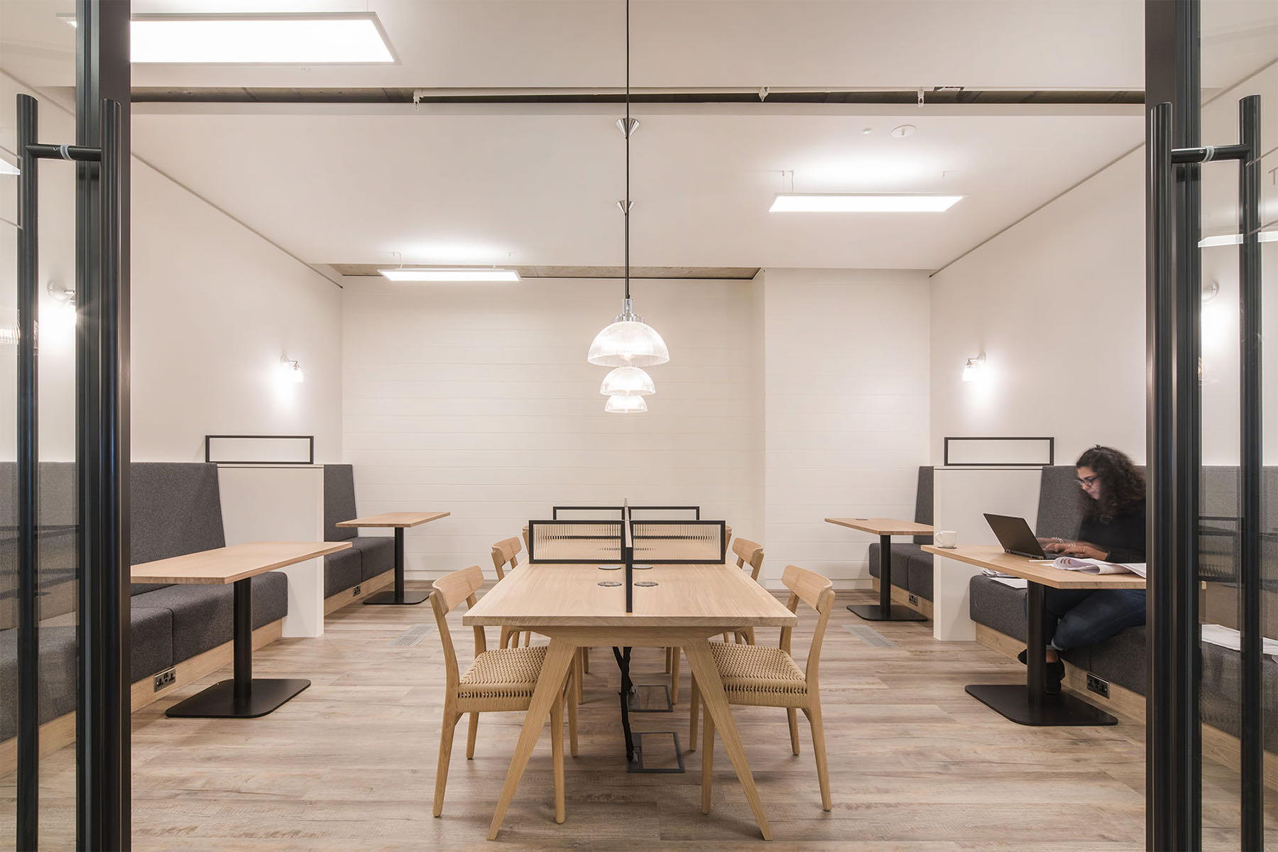 the-white-company-office-6