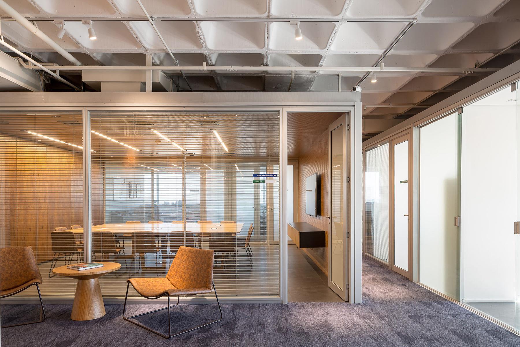 french-development-agency-office-11