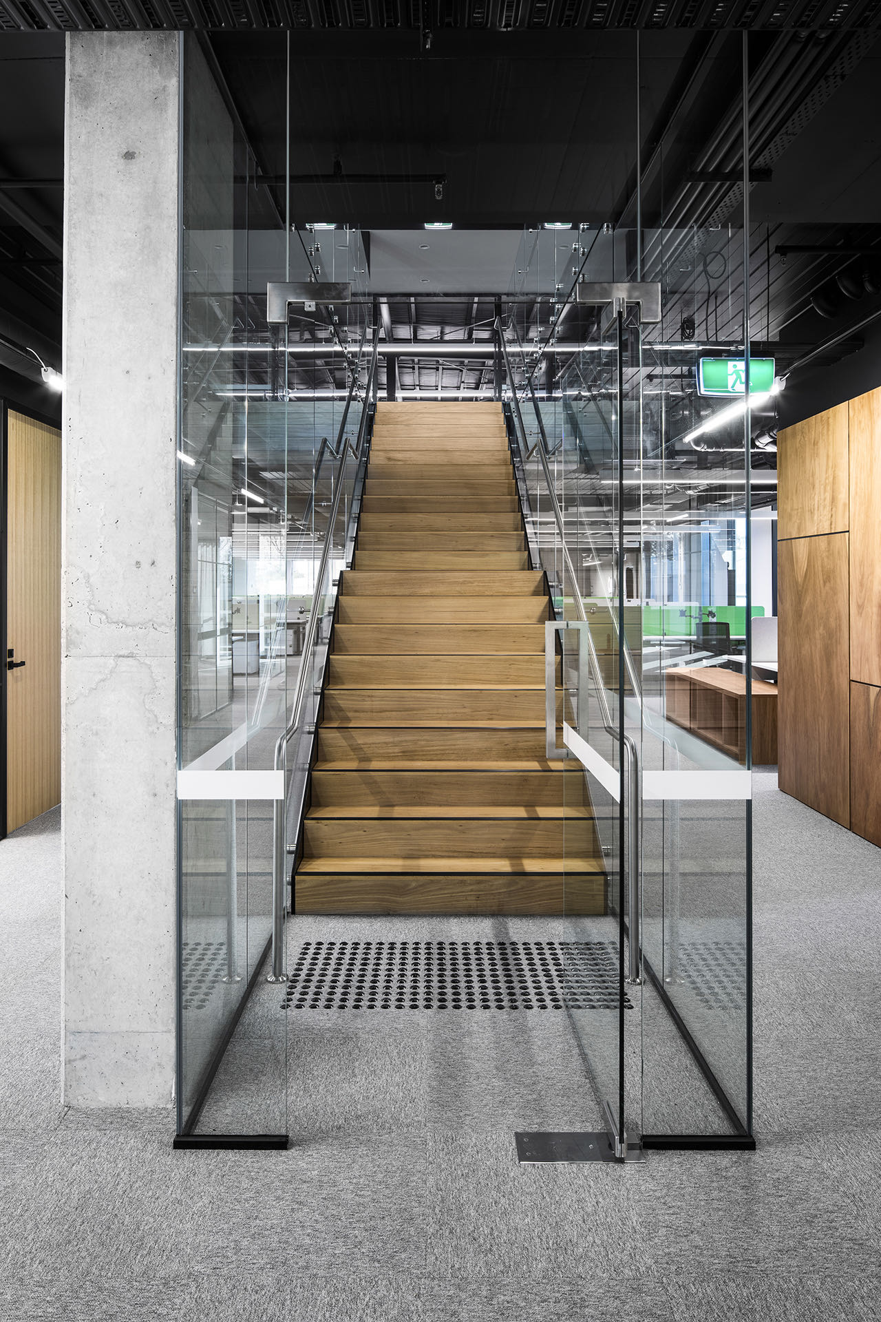 tandem-business-company-office-6