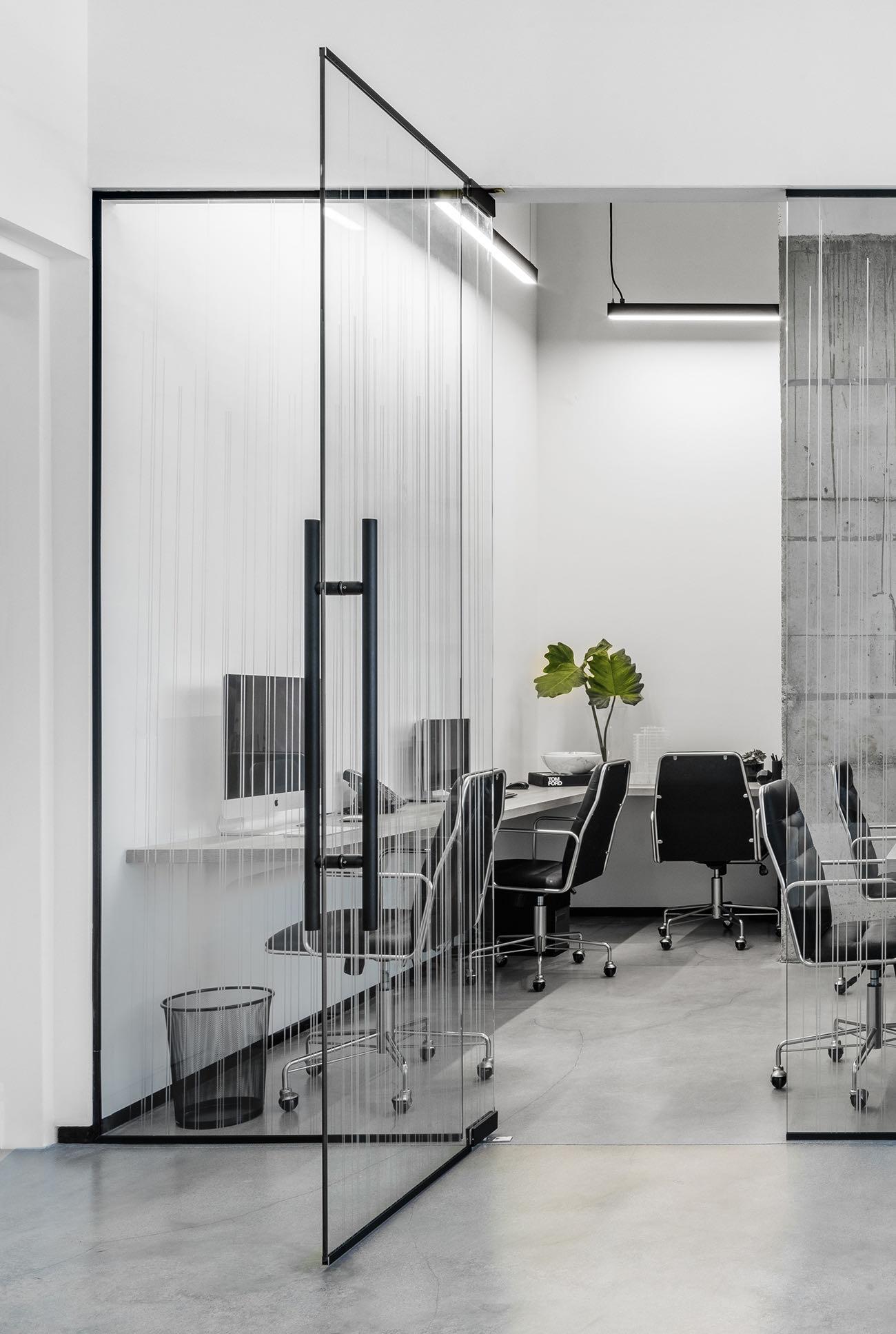 douglas-elliman-office-7