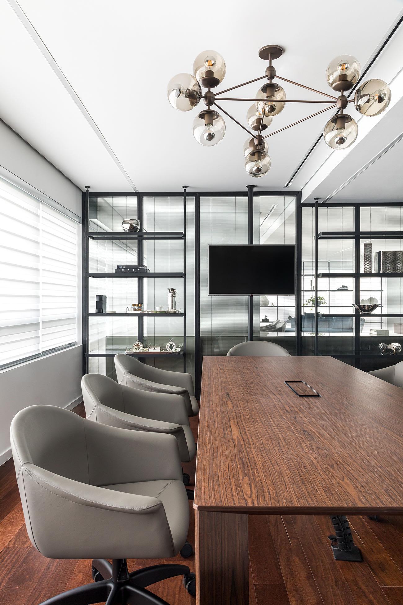 private-digital-company-office-1