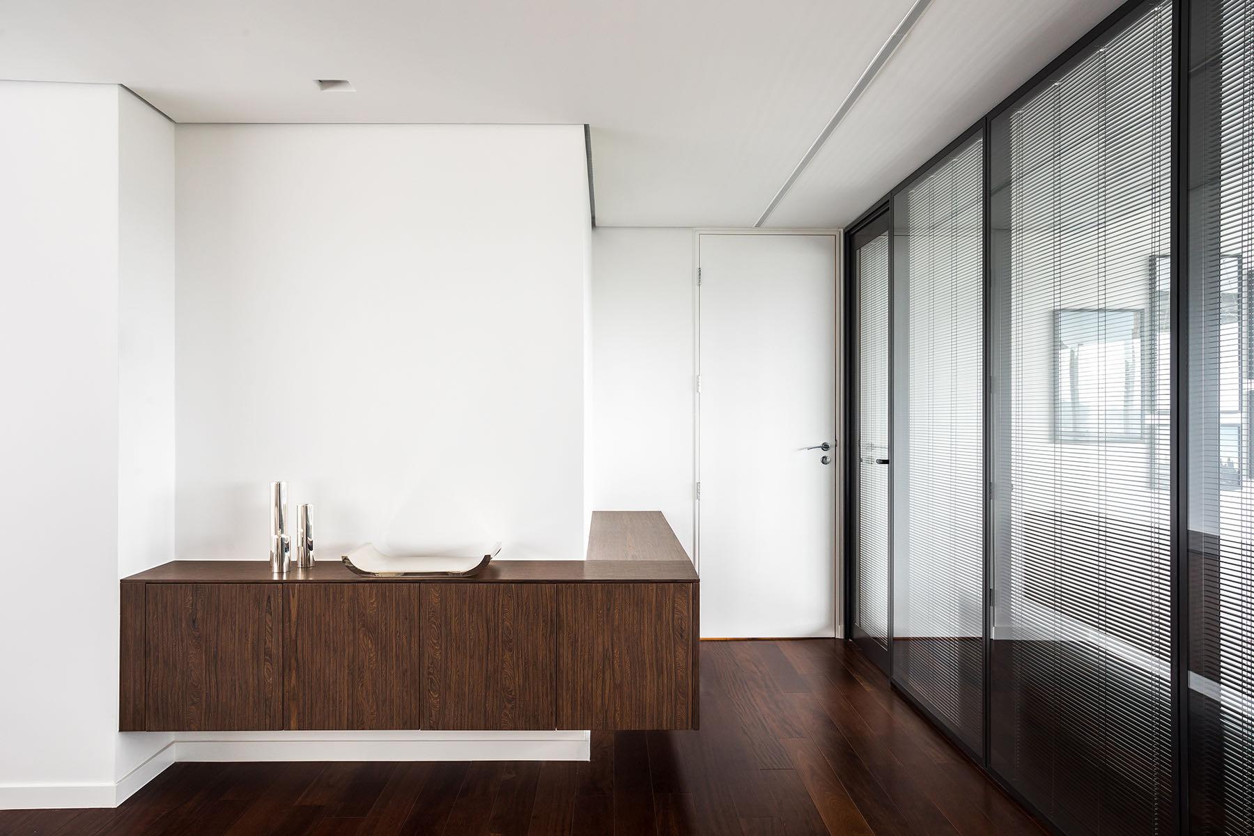 private-digital-company-office-13