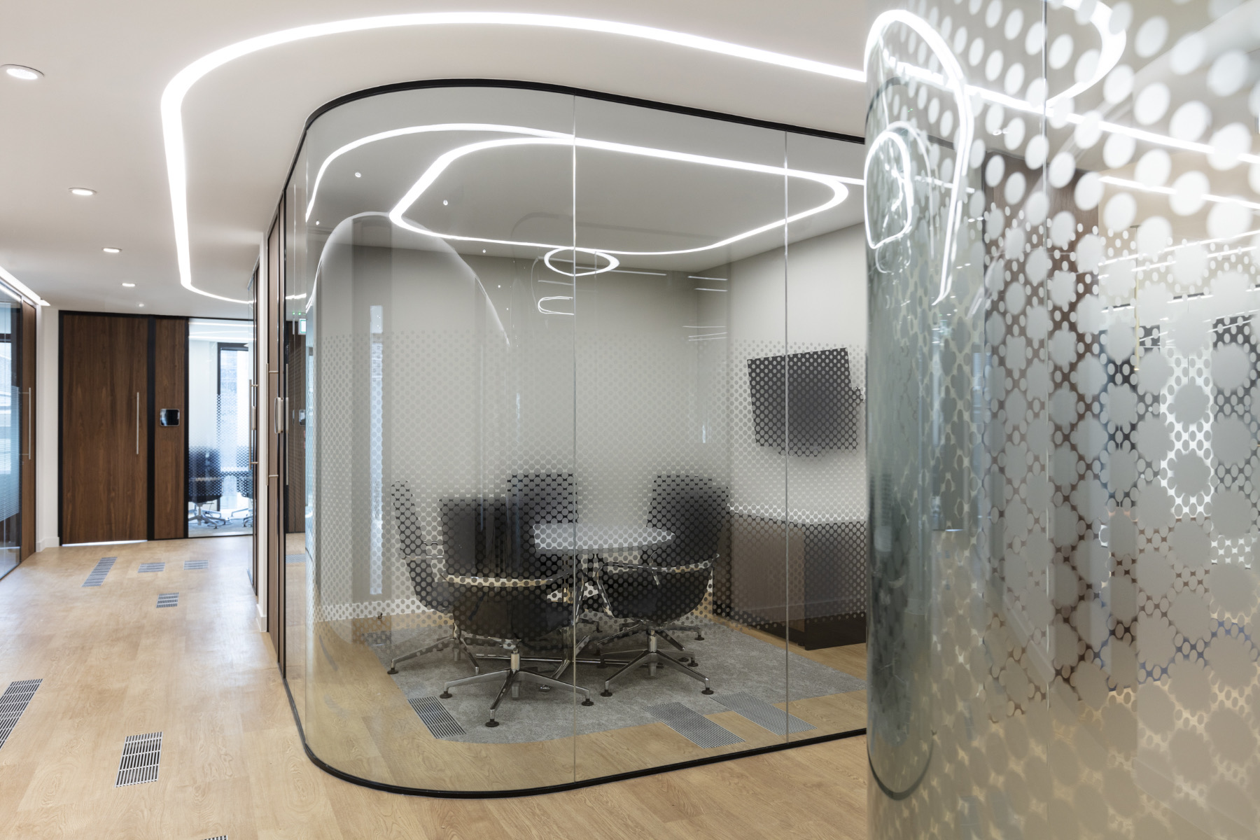 ais-office-london-13