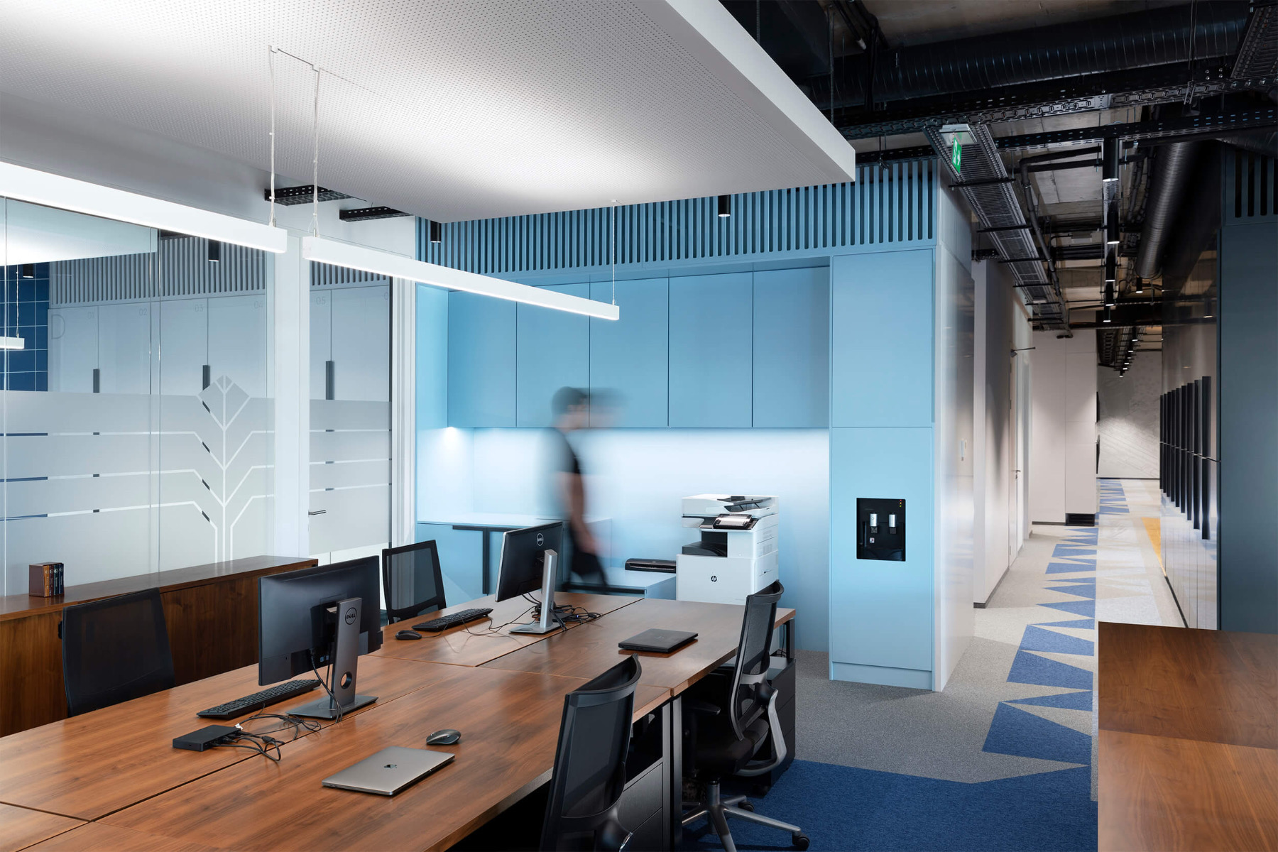 garitage-investment-office-15