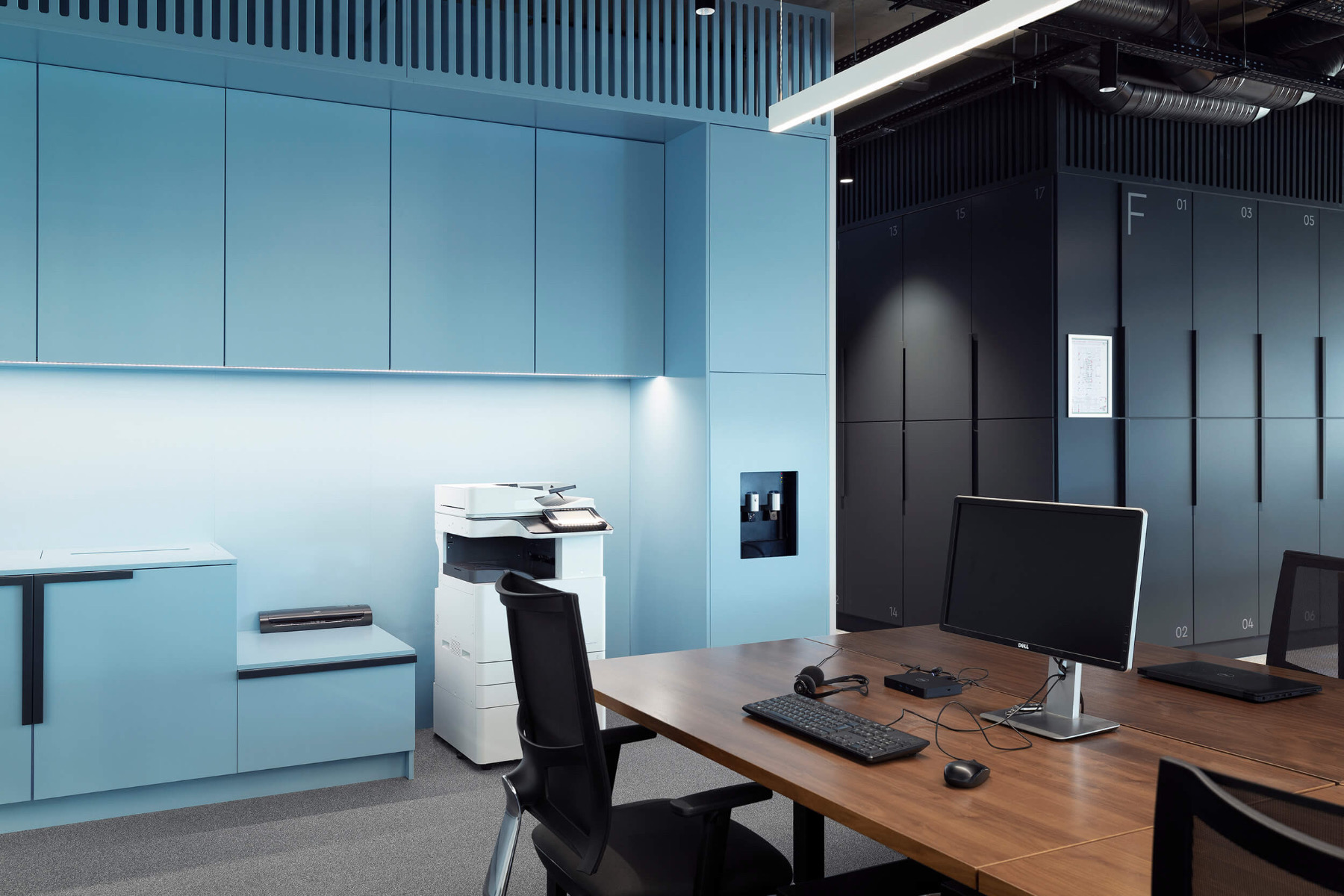 garitage-investment-office-19