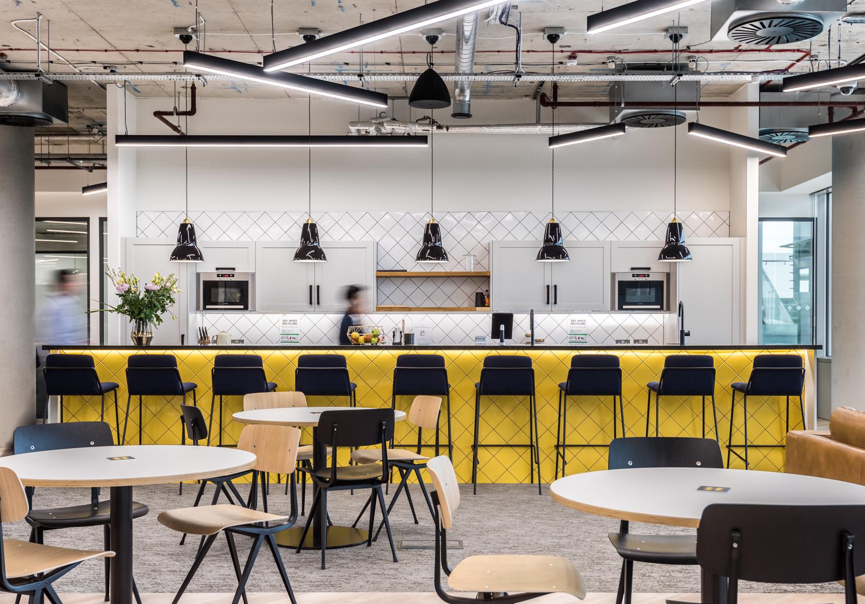 venture-x-london-coworking-space-15