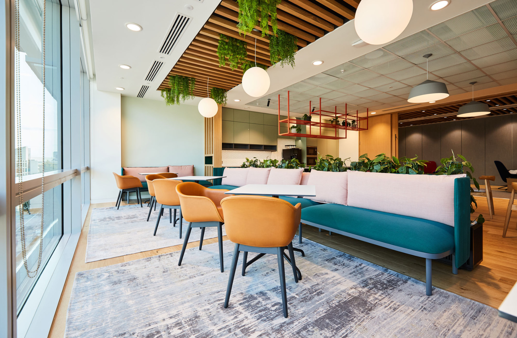 financial-servises-office-london-10