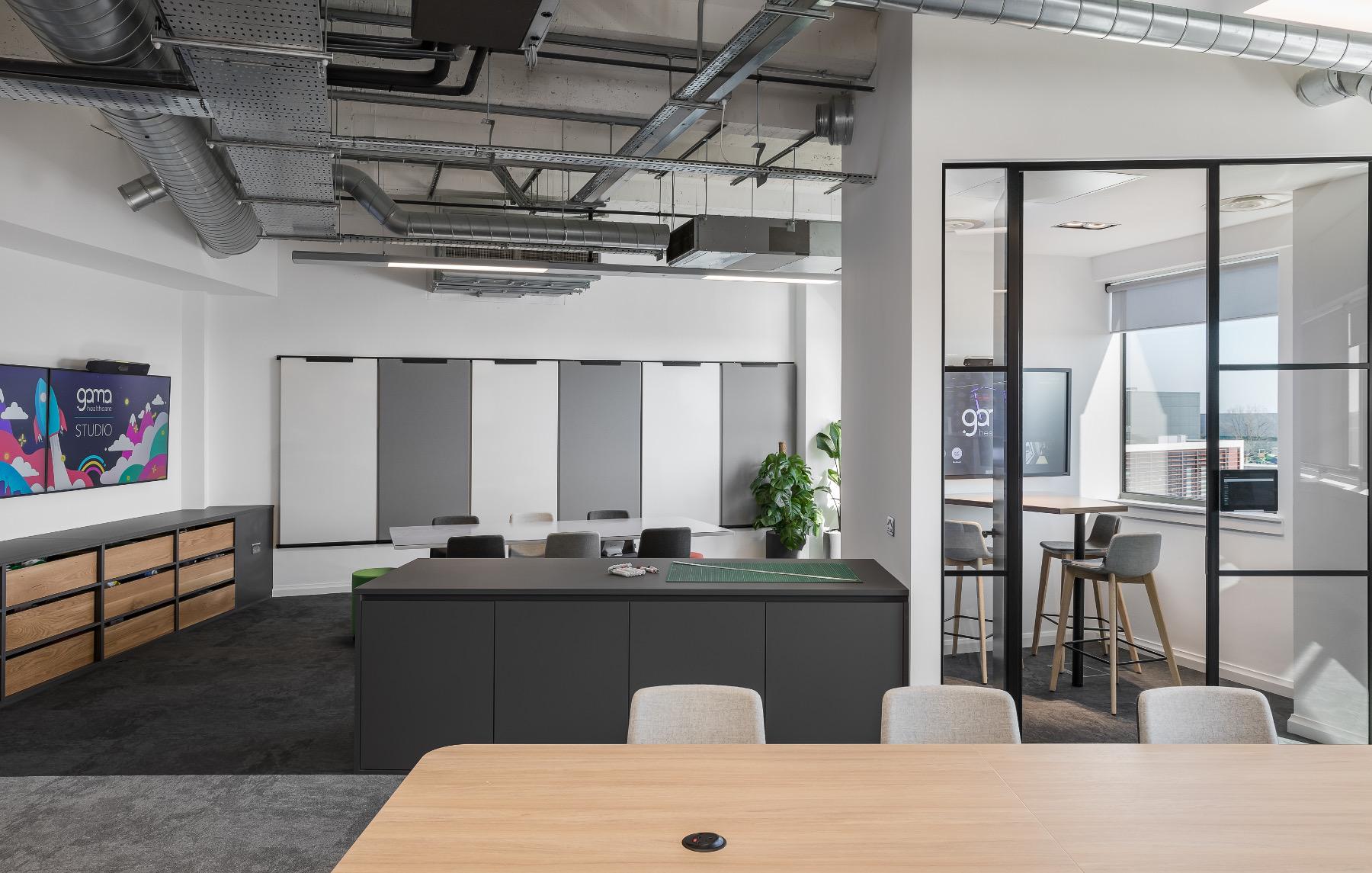 gama-healthcare-office-12