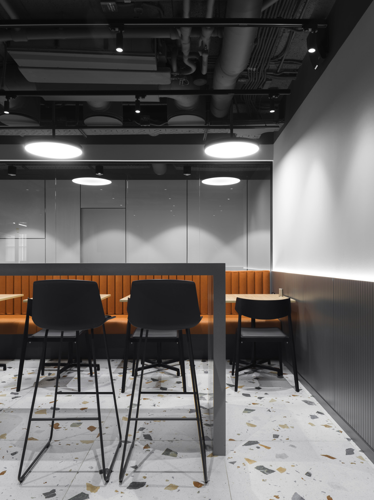simple-moscow-office-13