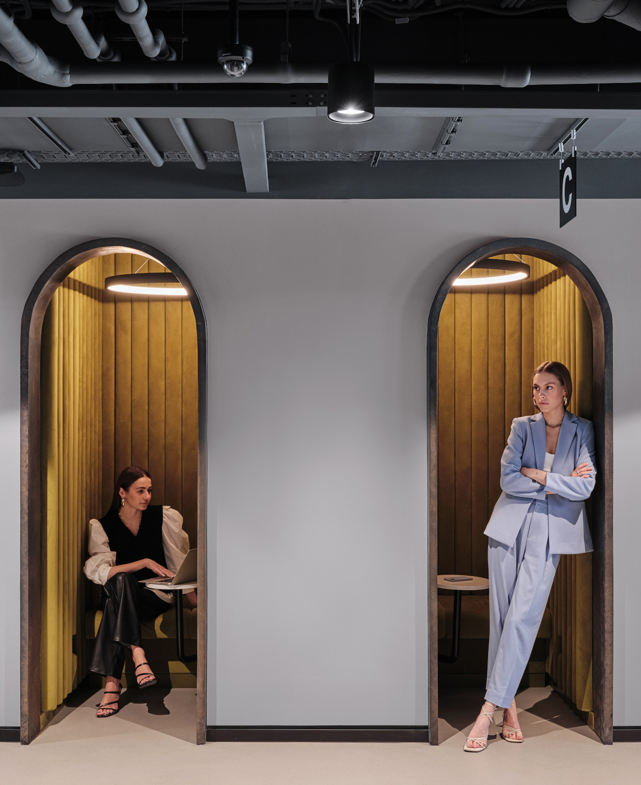 simple-moscow-office-16