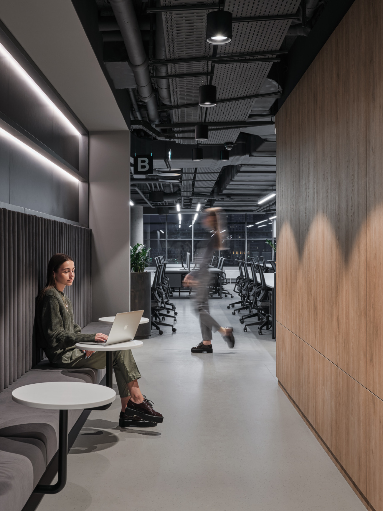 simple-moscow-office-23