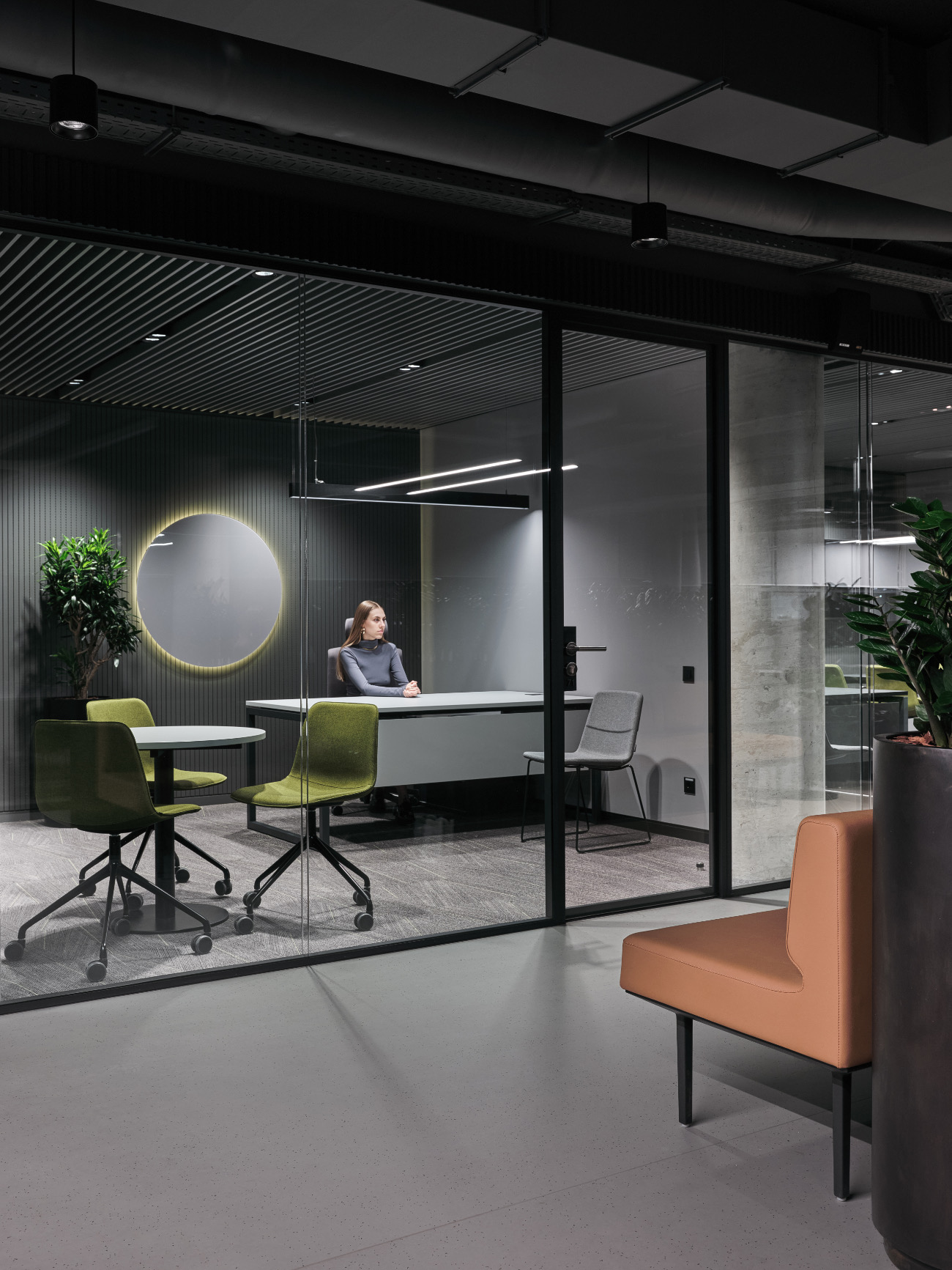 simple-moscow-office-25
