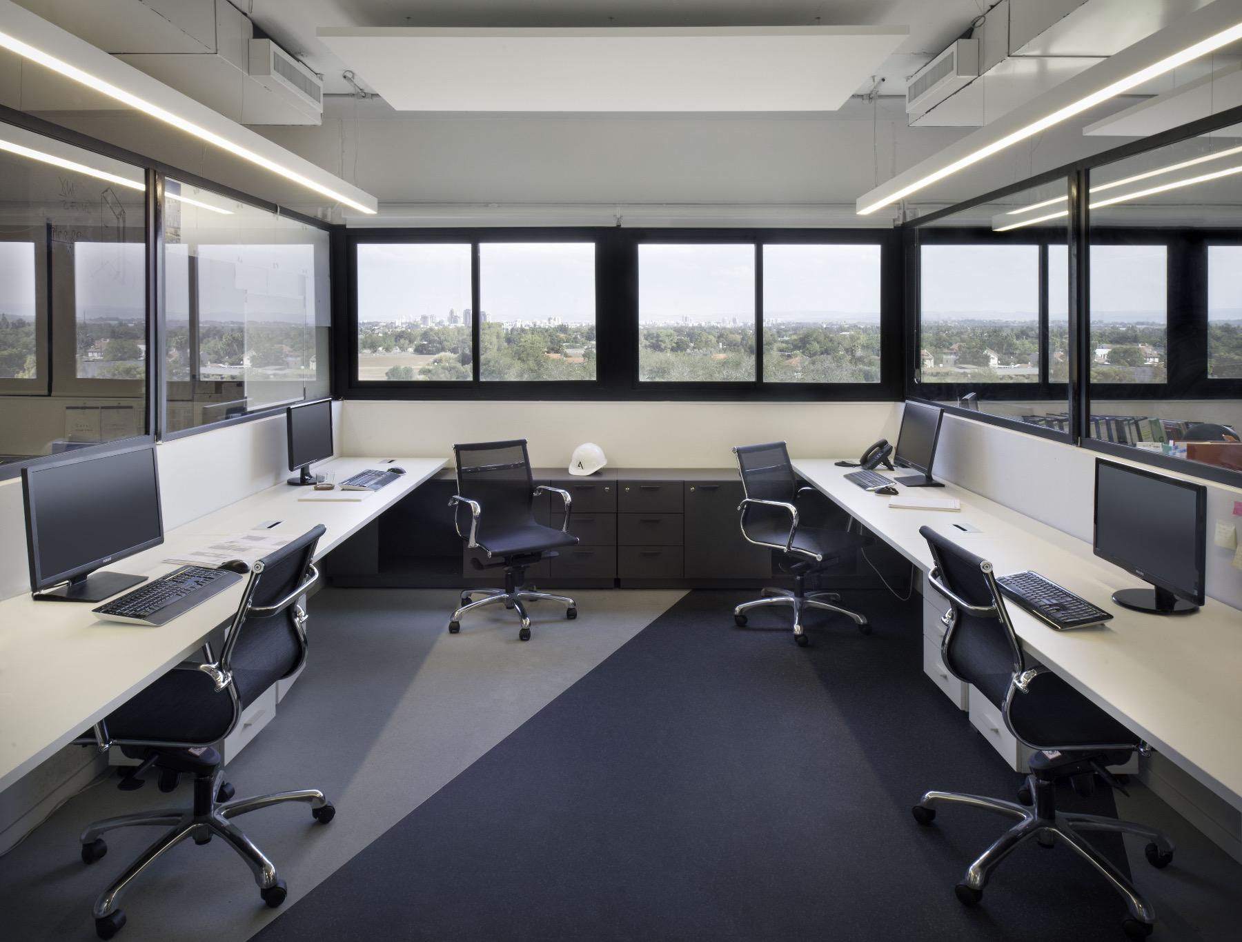 alum-eshet-office-3