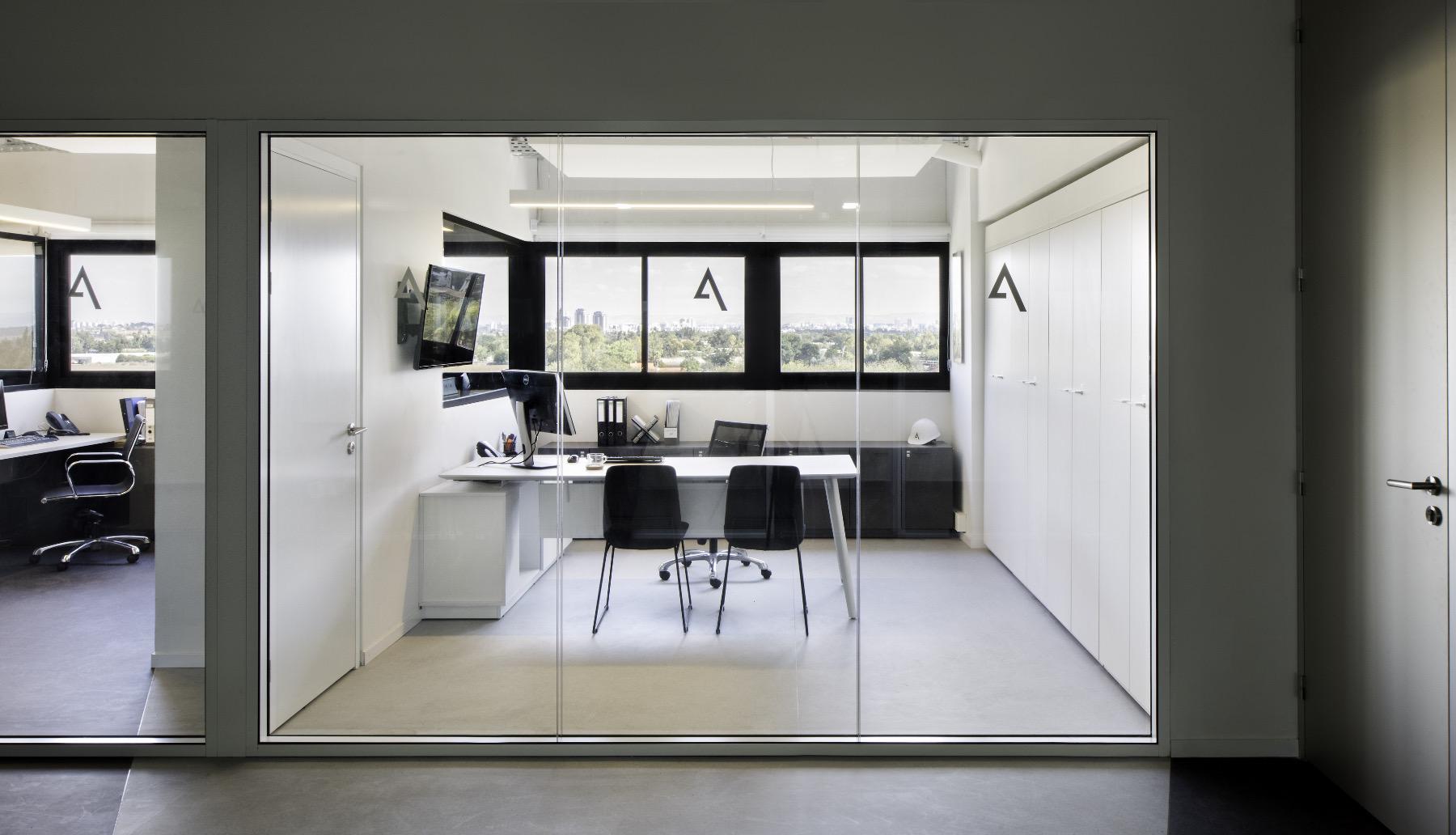 alum-eshet-office-5