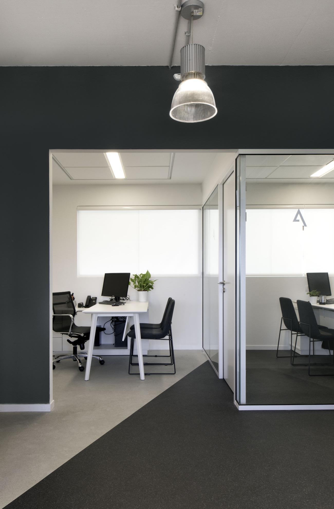 alum-eshet-office-7