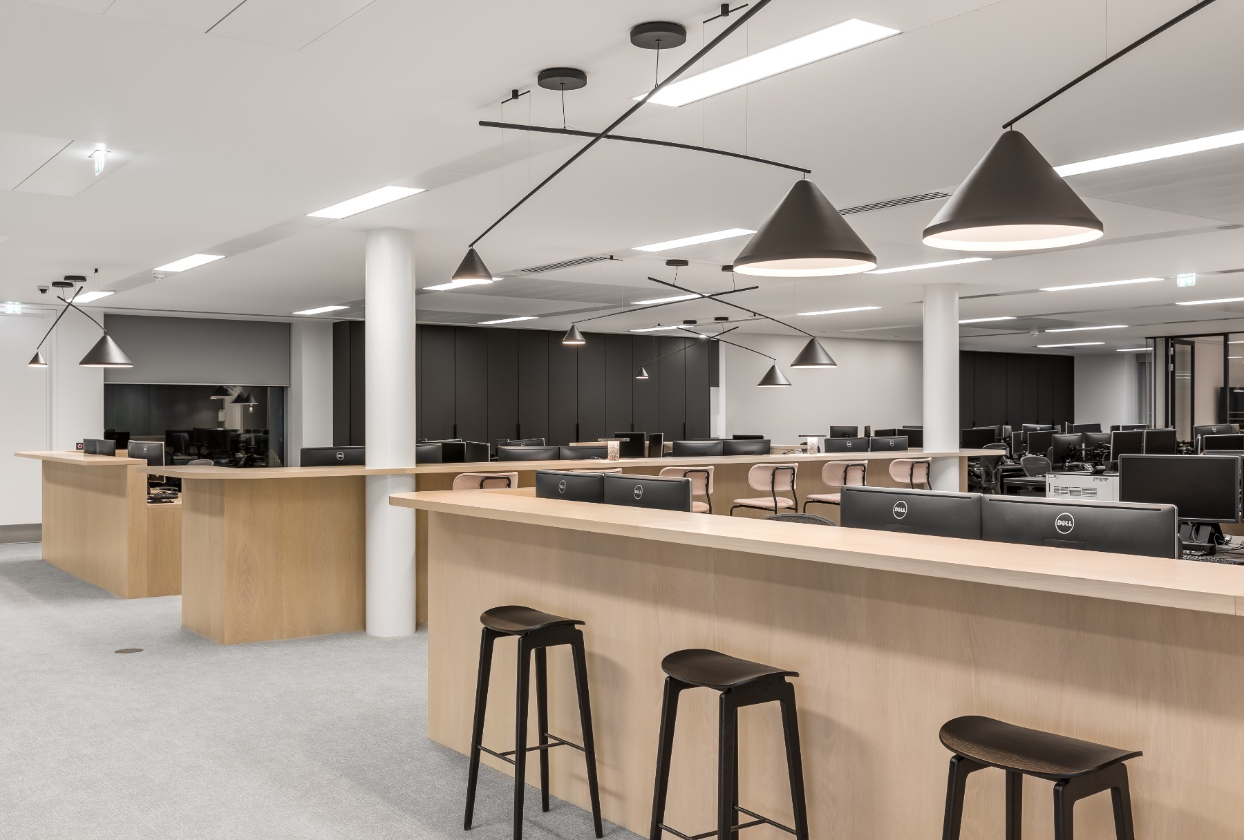real-estate-firm-london-office-10