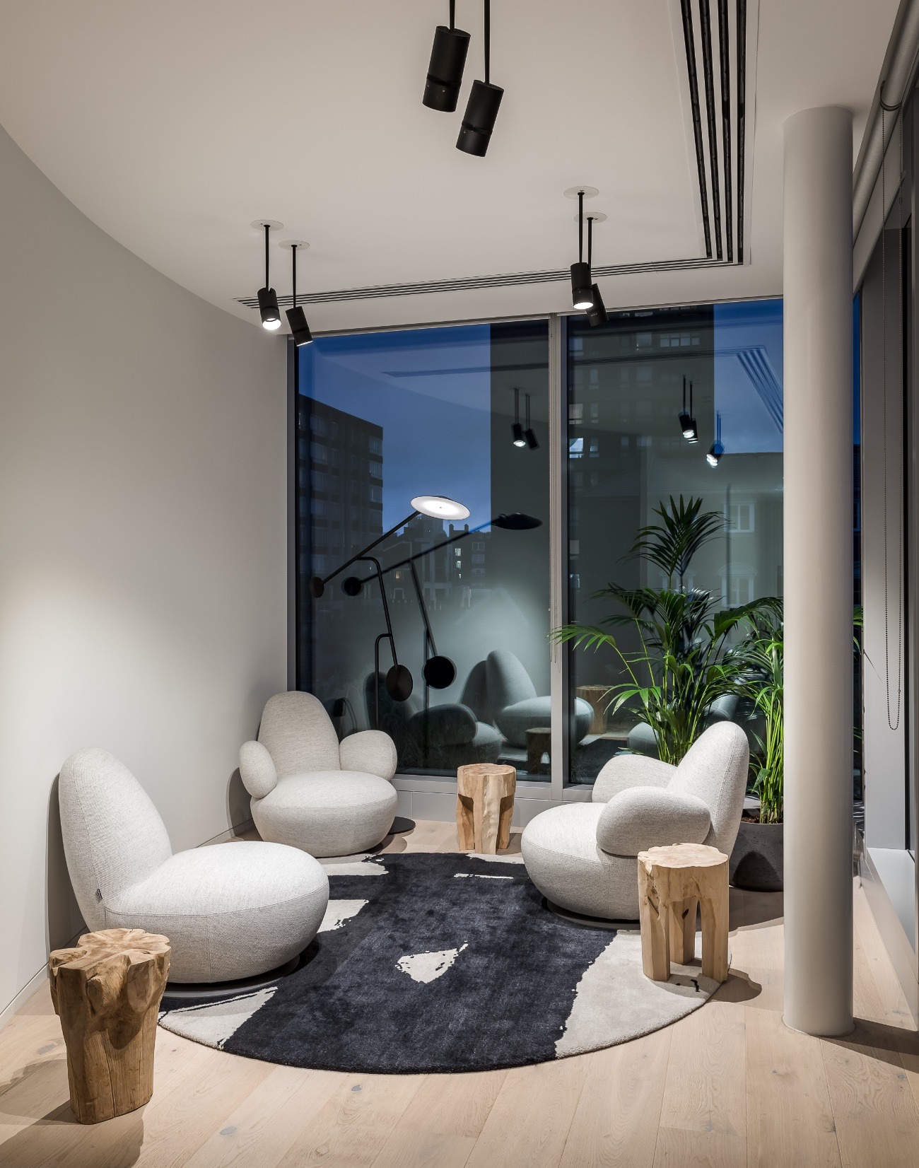 real-estate-firm-london-office-6