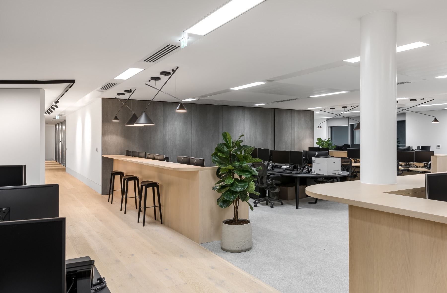 real-estate-firm-london-office-8